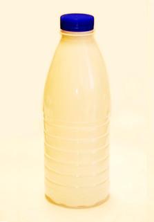 Пластиковая бутылка 0.93 л. (белая матовая, ребристая, широкое горло)